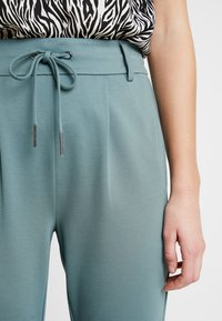 ONLY - POPTRASH EASY COLOUR  - Tracksuit bottoms - balsam green - 4
