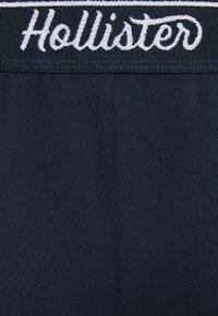 Hollister Co. - CHAIN LOGO - Shorts - navy - 5