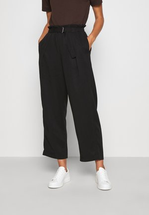 WIDE LEGGED TROUSER - Kangashousut - black dark