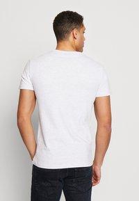 Superdry - PREMIUM GOODS HEAT SEALED TEE - Print T-shirt - ice marl - 2