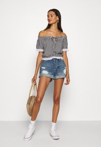 Hollister Co. - SAFFY - Blouse - black/white - 1