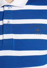 Newport Bay Sailing Club - BOLD STRIPE RUGBY - Polo shirt - light blue - 5