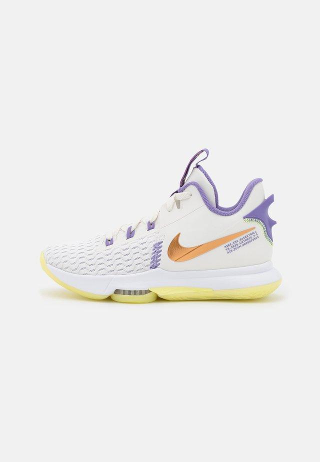 LEBRON WITNESS 5 - Chaussures de basket - summit white/metallic bronze/white/light zitron/dusty amethyst/white