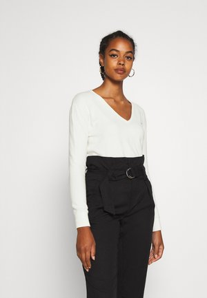 SOFT TOUCH V NECK  - Jumper - snow white