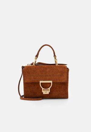 ARLETTIS SATCHEL - Handbag - caramel