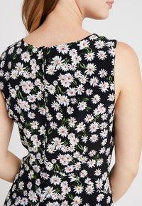Wallis Petite - DAISY HANKY HEM DRESS - Maxi dress - black - 5