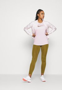 Nike Performance - DRY TANK FEMME - Camiseta de deporte - pink foam - 1