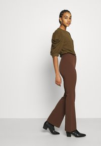 Monki - VIOLET TROUSERS - Trousers - brown - 3