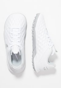 Nike Performance - TIEMPO JR LEGEND 8 ACADEMY TF UNISEX - Astro turf trainers - white/chrome/pure platinum/metallic silver - 0