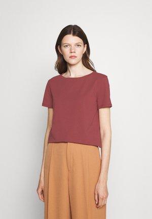 MULTIB - Basic T-shirt - bordeaux