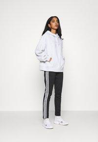 adidas Originals - HOODIE  - Sweatshirt - light grey heather - 1