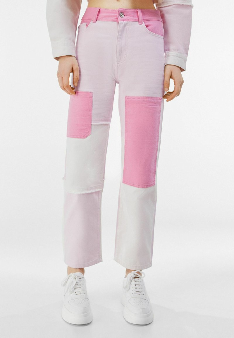 Bershka - Relaxed fit jeans - pink