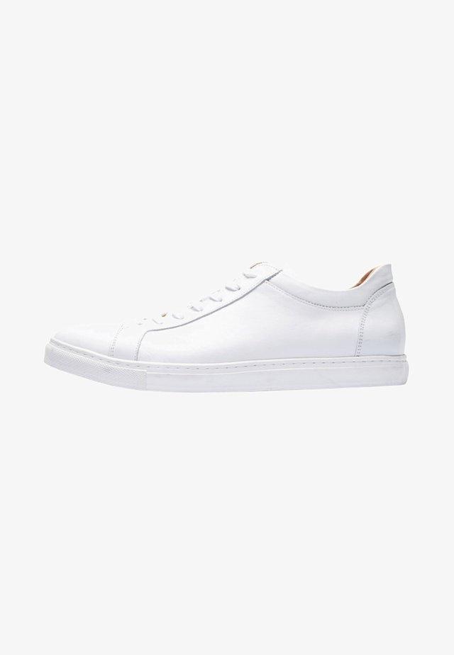 Joggesko - white