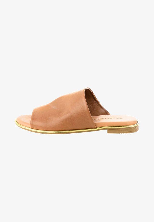 MARTONE - Ciabattine - brown