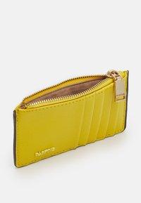 PARFOIS - CARD HOLDER BASIC JUNGLE - Wallet - yellow - 2