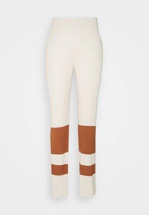 YASCECILIE WIDE PANTS  - Pantalon classique - whisper pink