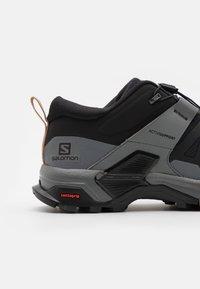 Salomon - X ULTRA 4  - Outdoorschoenen - black/quiet shade/sirocco - 5