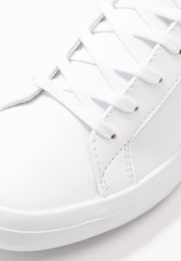 Lacoste - LEROND  - Baskets basses - white/black - 2