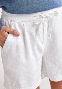 Next - Shorts - off-white - 2