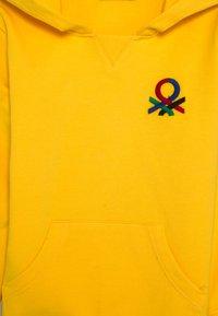 Benetton - HOOD - Hoodie - yellow - 2