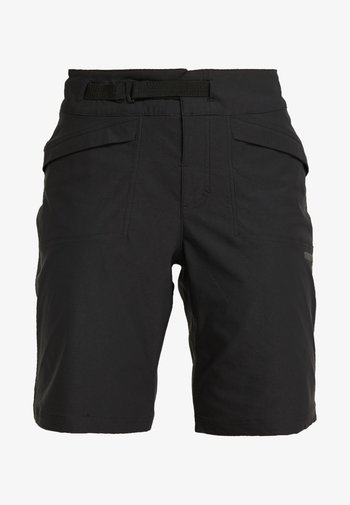 SUMMIT SHORTS WITH PAD