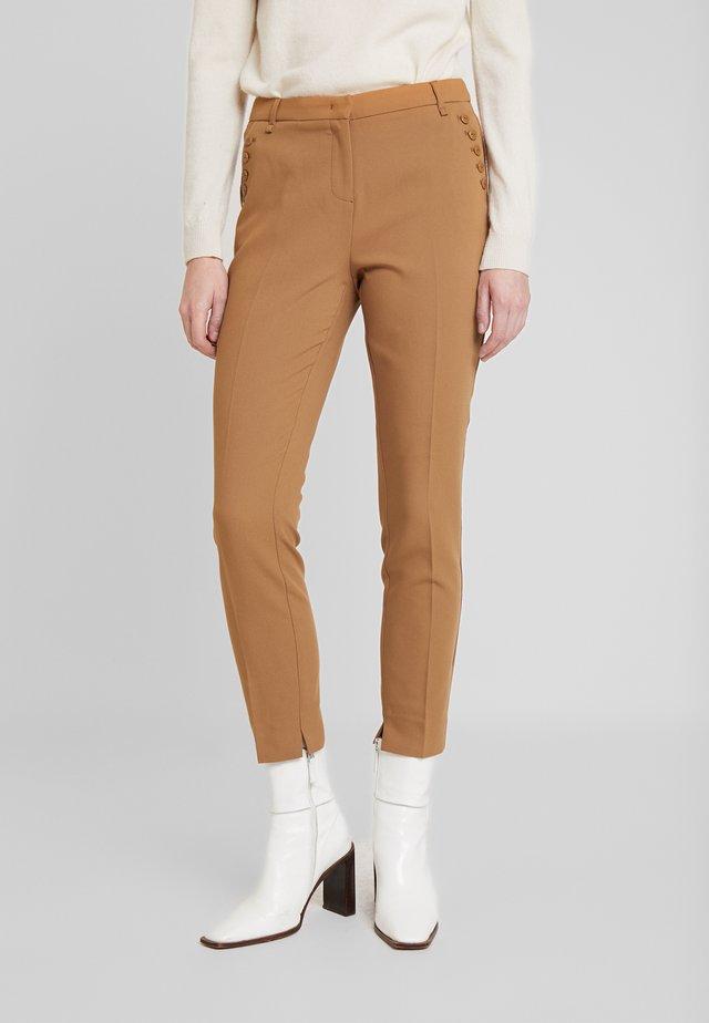PARIEN BUTTONS - Pantalones - noisette