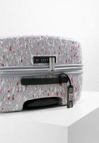Kipling - CURIOSITY M - Wheeled suitcase - grey - 5