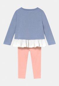 Converse - PLEATED PEPLUM LONG SLEEVE SET - Sweatshirt - storm pink - 1