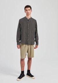 PULL&BEAR - Košile - mottled black - 1