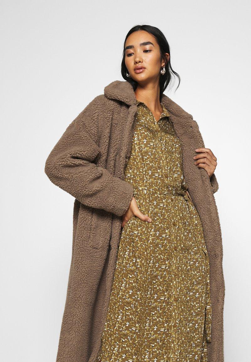 Minimum - IVORI - Classic coat - sepia tint