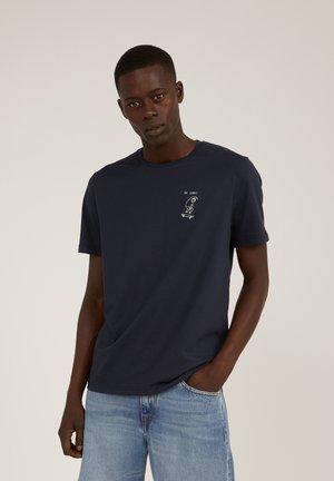 JAAMES OK COOL - Print T-shirt - depth navy