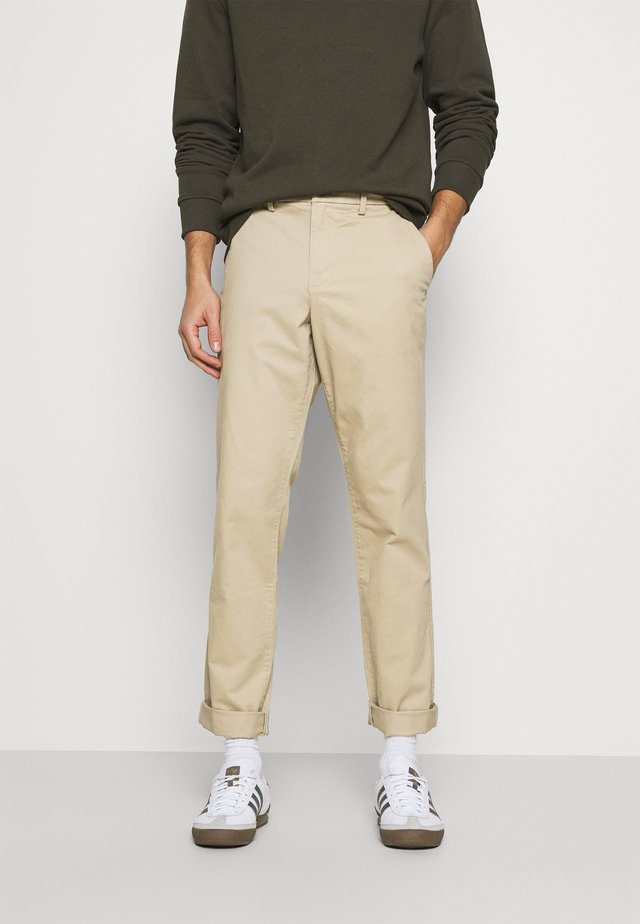 ESSENTIAL  - Trousers - iconic khaki