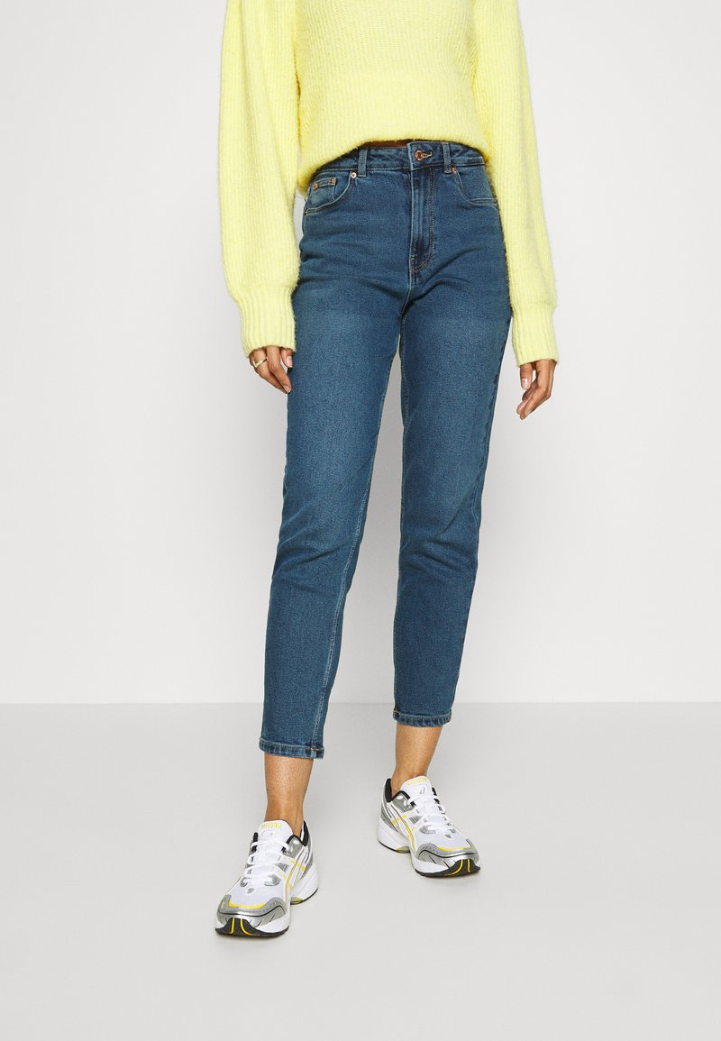 Vero Moda - VMJOANA  MOM ANK - Jeans Tapered Fit - medium blue denim