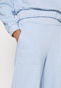 Pieces - PCCOOLIO PANTS - Tracksuit bottoms - kentucky blue - 4