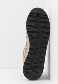 adidas Originals - BAARA - Höga sneakers - trace khaki/trace carbon/core black - 4
