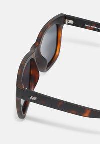 Le Specs - HIGH HOPES - Sunglasses - brown - 2