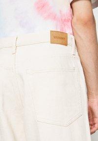 Weekday - GALAXY  - Straight leg jeans - washed ecru - 4