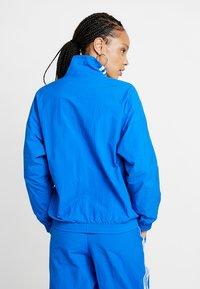 adidas Originals - ADICOLOR SPORT INSPIRED NYLON JACKET - Windbreaker - bluebird - 2