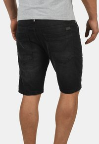 INDICODE JEANS - ALESSIO - Denim shorts - black - 1
