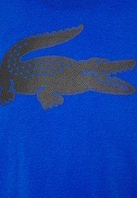 Lacoste Sport - BIG LOGO - T-shirt print - lazuli/black - 6
