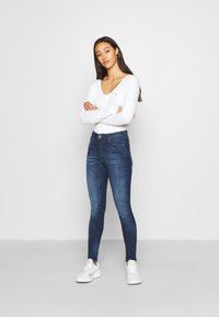 Tommy Jeans - SYLVIA SUPER SKNY - Jeans Skinny Fit - dynamic mira dark blue - 1