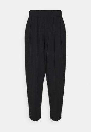 PIERA - Teplákové kalhoty - schwarz