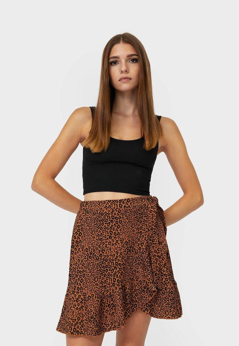 Stradivarius - RUSTIKALER - Mini skirt - brown