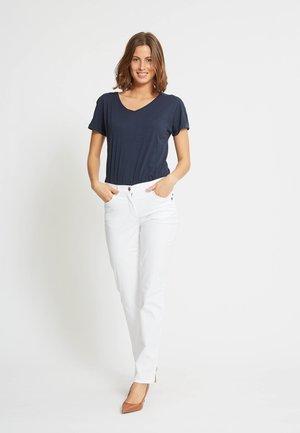 LAURIE JEANS CHARLOTTE IN KLASSISCHER FIVE-POCKET-OPTIK - Trousers - white