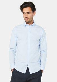 WE Fashion - Camisa - light blue - 0