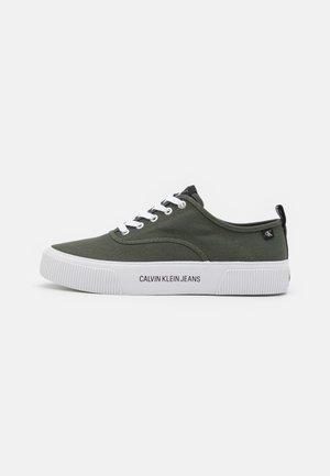 SKATE OXFORD - Sneakers - dark olive