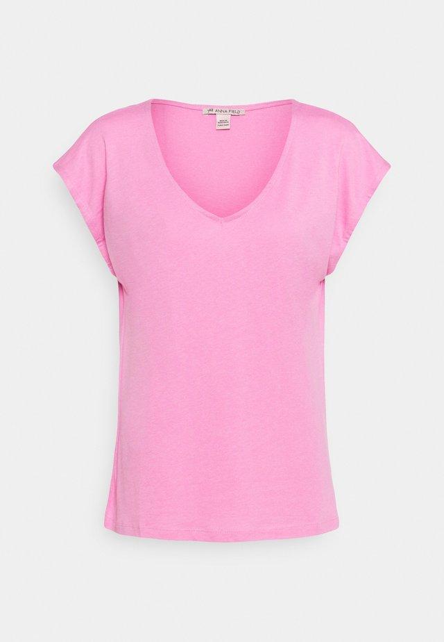 Camiseta básica - pink