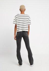 ONLY - ONLBLUSH SWEET FLARED - Flared jeans - black denim - 2