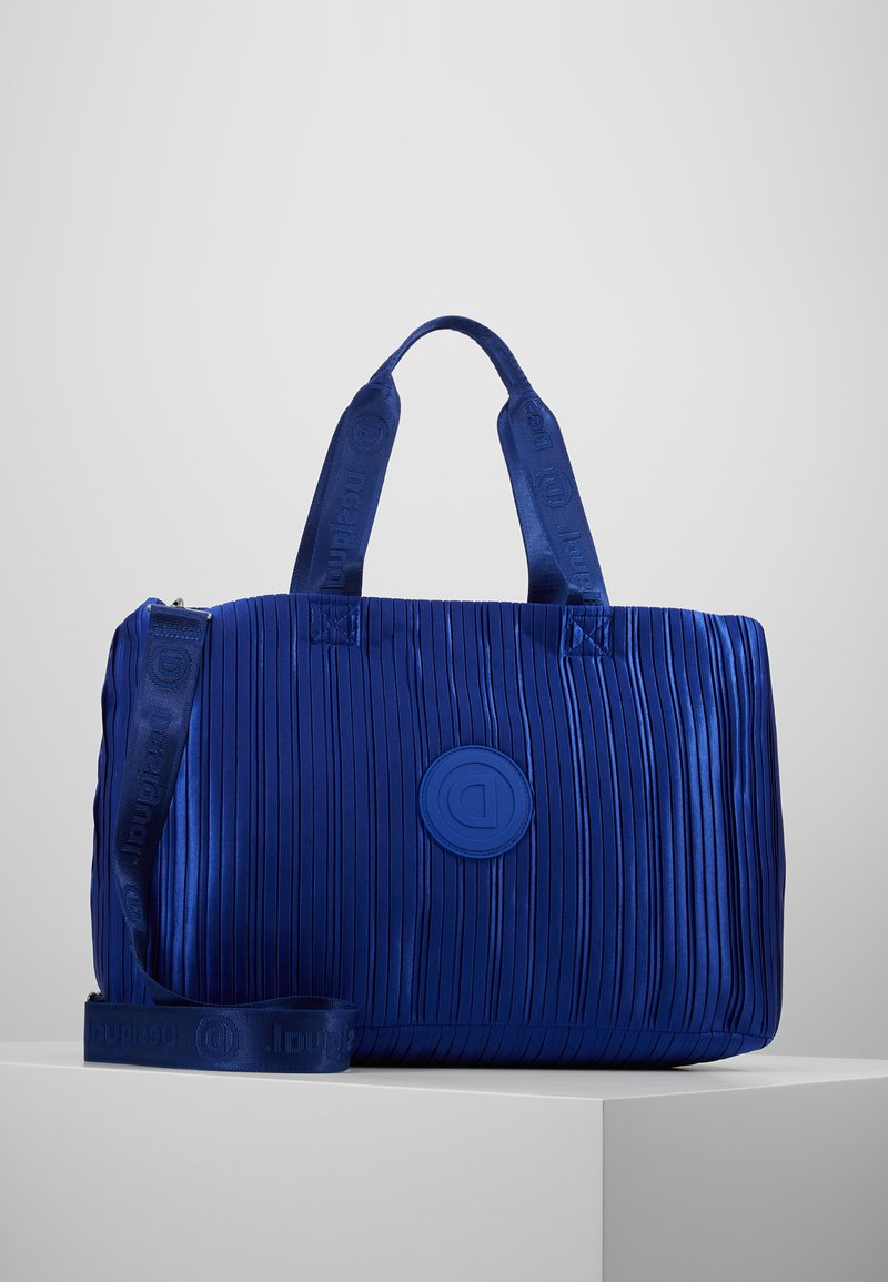 Desigual - DUFFLE BAG PLEATS BLUE - Sports bag - royal