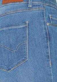 ONLY - ONLGLOBAL MID BOX - Jeans Skinny Fit - light blue denim - 5